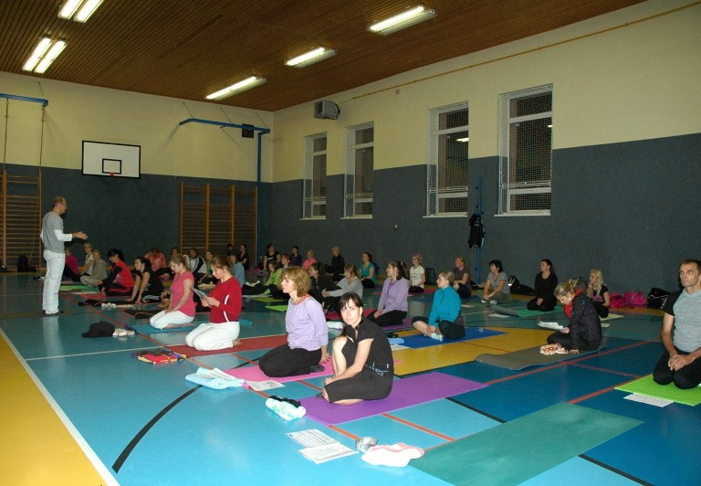 2013-10-16-ashtanga-primary-025.jpg